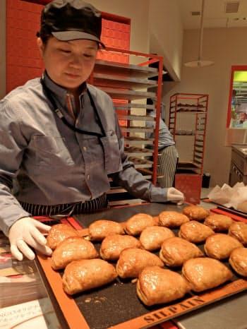 カスタードアップルパイ専門店の「RINGO」などが広島初出店する(1日、広島市)