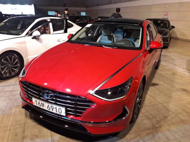 新型ソナタは、トヨタ自動車やホンダの車と激しく競う米国では20年に販売される見通し(21日、ソウル郊外)