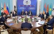 ロシアが主導する「ユーラシア経済同盟」は首脳会議でシンガポールとのFTAに調印した(1日、エレバン)=ロイター
