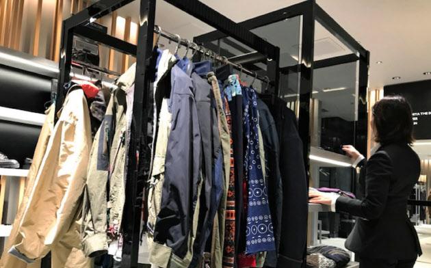 伊勢丹新宿本店メンズ館では女性が男性物を買う比率がじわりと増えている