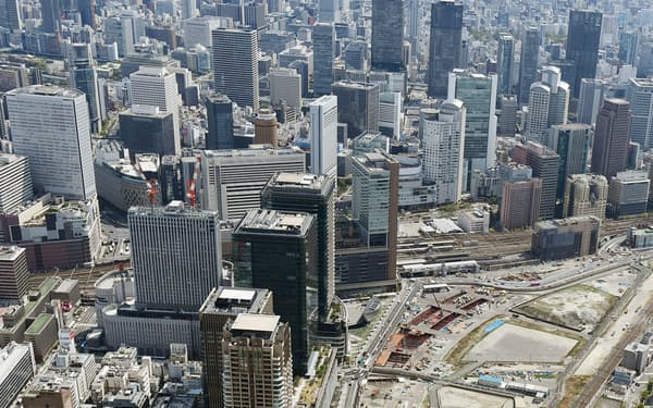 大阪・梅田周辺の高層ビル群
