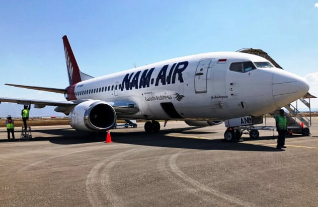スリウィジャヤ航空は最近まで機体に「ガルーダ・インドネシアのメンバーです」と明記していた。