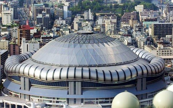 京セラドーム大阪では2018年に人気グループを中心に63件のライブを誘致した(大阪市西区)
