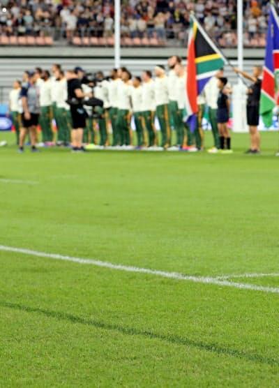 豊田スタジアムは、宮城県山元町で生まれた芝生を使っている(愛知県豊田市)