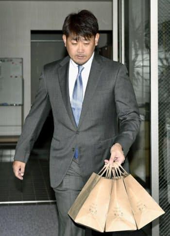 ナゴヤ球場を訪れた、中日から退団することが決まった松坂大輔投手(4日)=共同