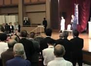 鈴木市長は3日の「囲む会」で行政区再編に改めて意欲を示した。