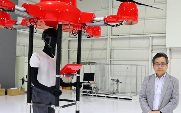 プロドローンの河野雅一社長とSUKUUの試作機