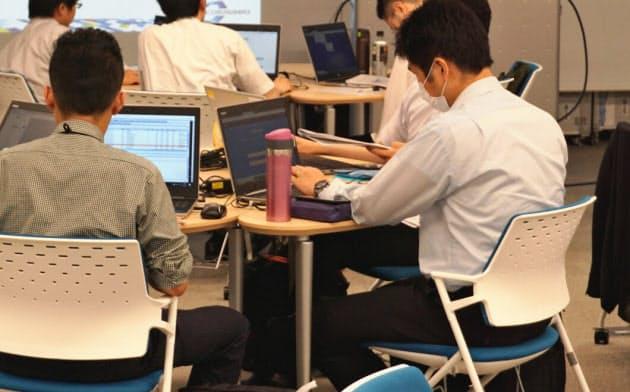 情通機構では五輪のサイトやシステムの関係者などを対象にセキュリティー演習を進めている