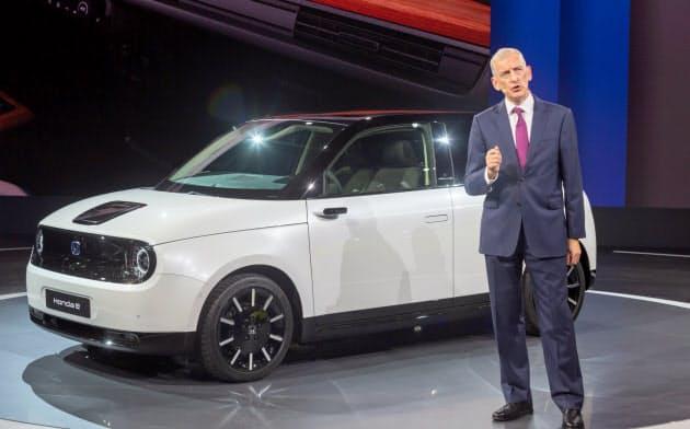 「ホンダ e」の市販モデルをお披露目した(フランクフルト国際自動車ショー)