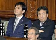 第200臨時国会が召集され、衆院本会議に出席した立憲民主党の枝野代表(右)と国民民主党の玉木代表=4日午後