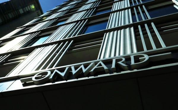 オンワードは百貨店の出店拡大とともに成長してきたが…(東京・日本橋の本社)