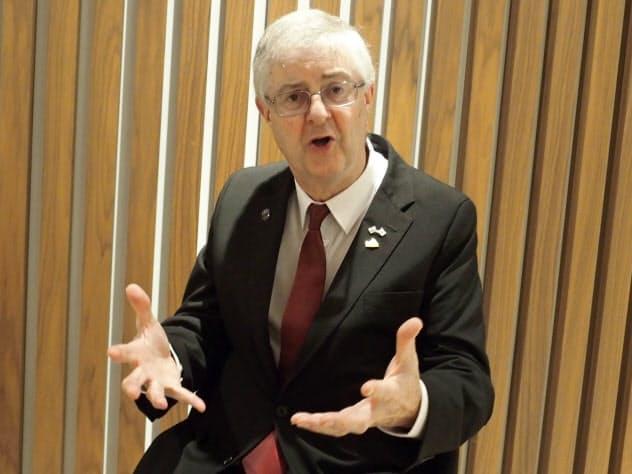 ウェールズのドレイクフォード首席大臣は英国内の分断や緊張への懸念も語った(9月30日、都内)