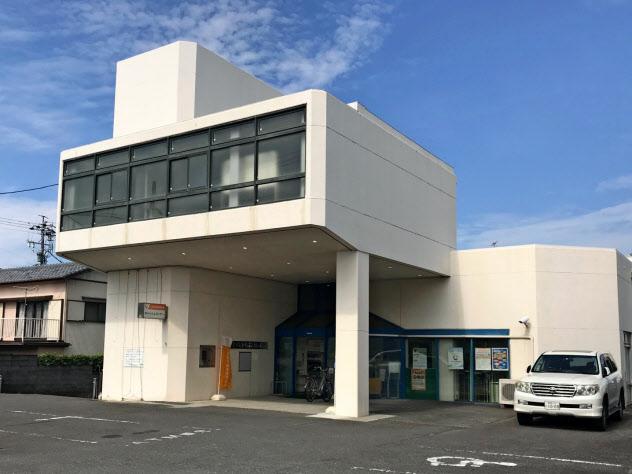 旧焼津信用金庫の草薙支店(静岡市)は、しずおか焼津信金が統廃合を検討している