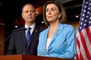 米民主党はトランプ大統領が外交政策を悪用したと主張する=ロイター