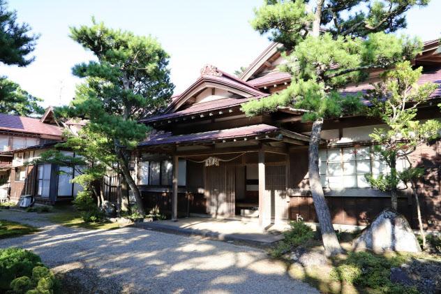 1923年に完成した小玉家住宅は国指定の重要文化財だ(秋田県潟上市)