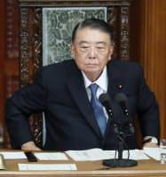 衆院本会議に臨む大島理森議長(7日)
