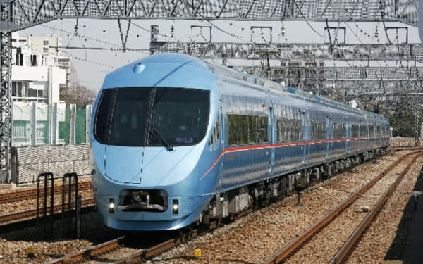 アプリを使えば列車の経路検索から外部サイトに移り、箱根行きの特急ロマンスカーの切符が買える