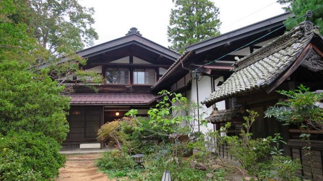 明神館が民泊で使用する松本市郊外の古民家