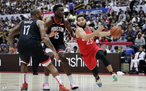 バスケットボールは中国で人気のスポーツだ=AP