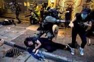 長期化する香港の反政府デモはゲーム業界にも波及した=ロイター