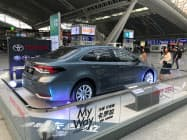 トヨタの9月の中国販売は「カローラ」の落ち込みを他の主力車種が補った(広東省広州市の展示)