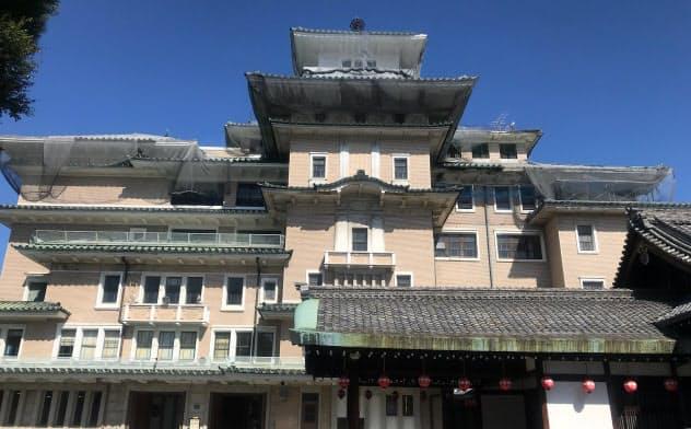 祇園甲部歌舞練場内にある弥栄会館を活用し新ホテルとする計画だ(9日、京都市東山区)