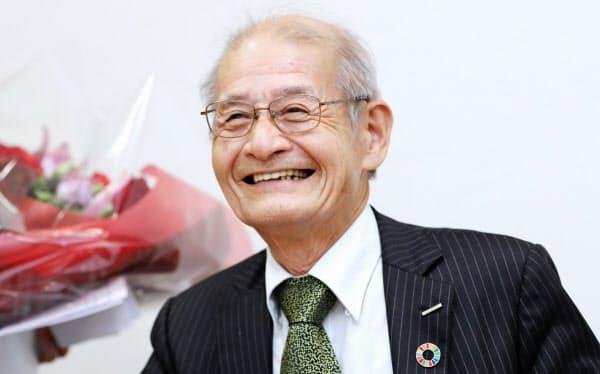 インタビューに答える旭化成の吉野彰名誉フェロー(9日、東京都千代田区)