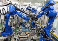 半導体関連の減速が響く(北九州市にある安川電機の工場)
