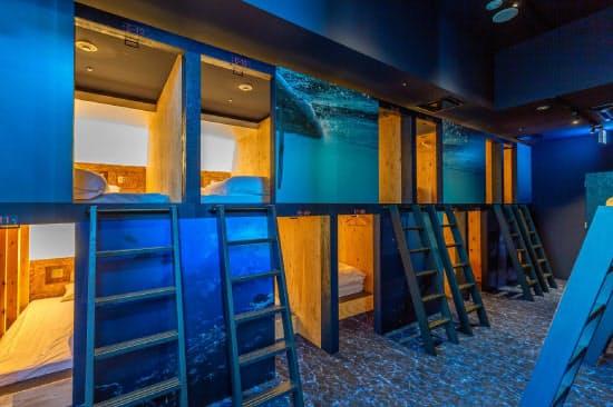 会議室などの広い部屋はカプセルタイプの客室とした(神奈川県葉山町のうみのホテル)