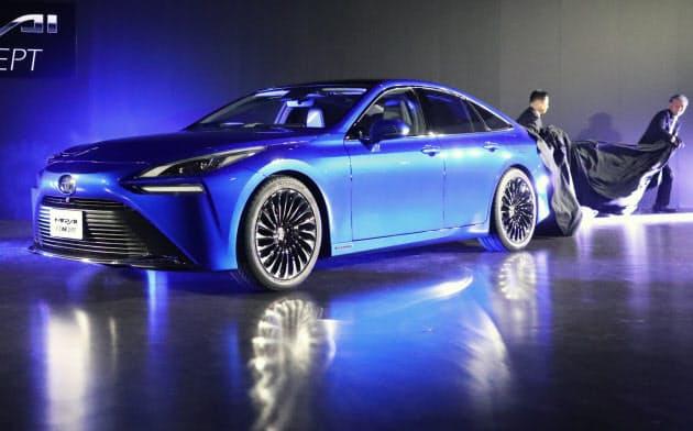 報道陣に公開されたトヨタの新型燃料電池車「MIRAI Concept」(10日、東京都江東区)