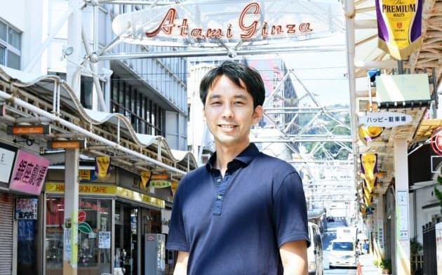 熱海銀座で不動産オーナーに空き店舗の活用を粘り強く訴えた