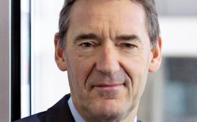 Jim O'Neill 米ゴールドマン・サックスのグローバル経済調査部長だった2001年、中国などの頭文字から成る造語「BRICs」を提唱。英財務省政務次官などを経て、18年現職。