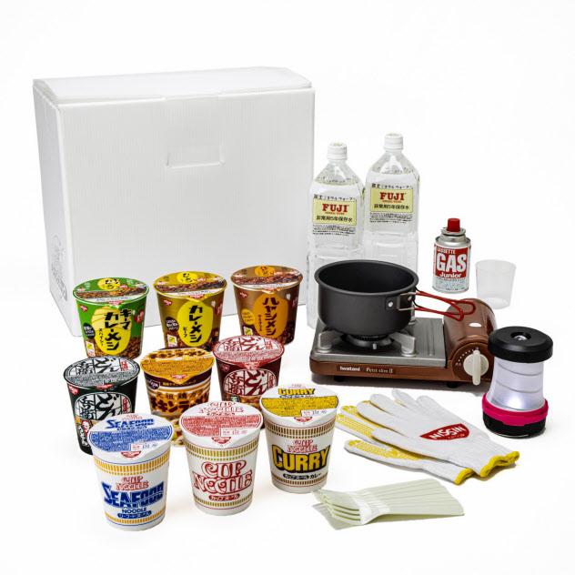 日清食品はカップ麺の定期配送を含めたローリングストックのサービスを始めた。