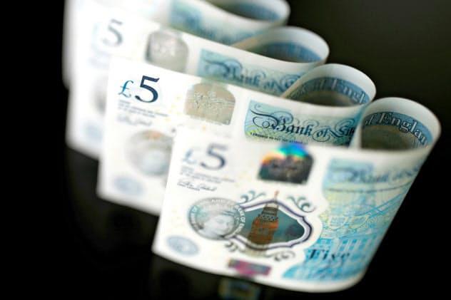 英通貨ポンドは対ドルで3カ月半ぶりの高値水準に=ロイター