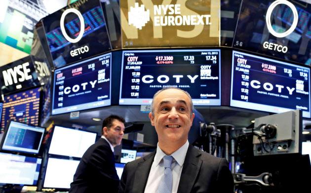 年末の株高を見込む声が増えた=ロイター