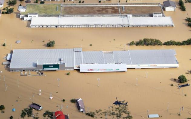 台風19号、宅配停止・携帯障害続く 拠点浸水や停電