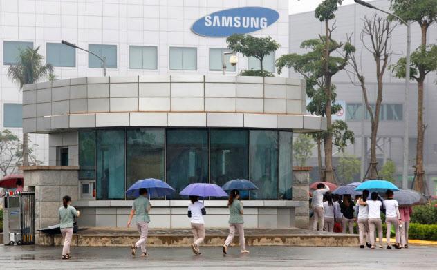 サムスンが巨大スマホ工場を持つなど、ベトナムでは韓国企業の存在が大きい=ロイター