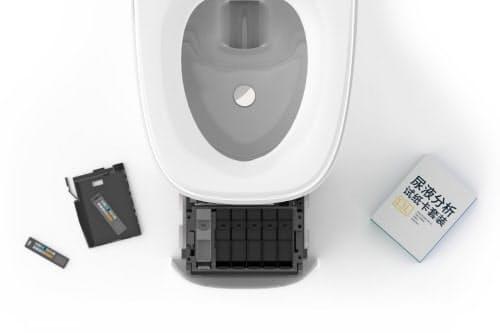 便器には尿検査のチップが内蔵されている(同)