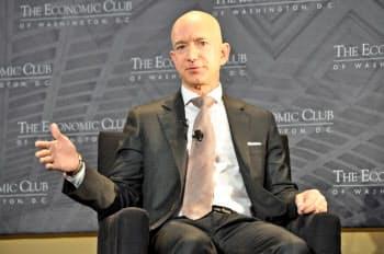 米アマゾン・ドット・コムのベゾスCEOらは9月、連邦政府レベルの統一ルールを米連邦議会に要望した(写真は2018年)