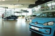 VWの9月の欧州販売台数は主要メーカーで最大の伸びを示した(独ウォルフスブルクのショールーム)