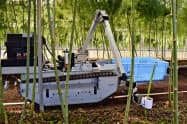 佐賀県太良町で行われた自動野菜収穫ロボットの実演(16日)