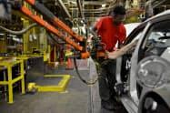 9月の米鉱工業生産は、自動車生産の落ち込みなどで低下した(米テネシー州の自動車工場)=ロイター