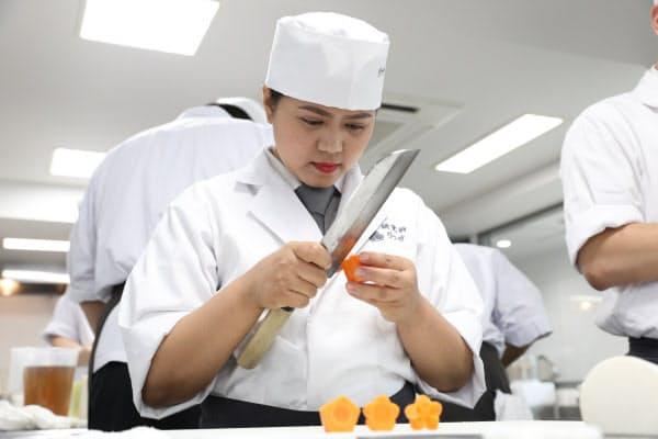 フィリピン出身のマリッサ・アボガは京都旅行で口にした懐石料理で和食を知った。