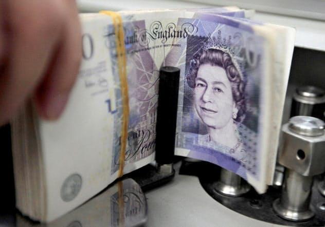 英ポンドは対ドルで5カ月ぶり高値水準に=ロイター