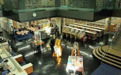 読書の秋、図書館や書店で心の糧に出会いたい