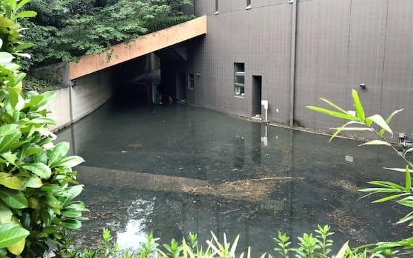 収蔵庫を含む地下部分に大量の水が流れ込み水没した