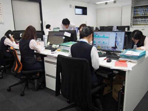二九精密機械工業は女性活躍推進策や社員教育の充実を進めている(10月8日、京都市の本社オフィス)