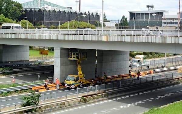 耐震補強する万博記念公園に近い調和橋(大阪府吹田市)