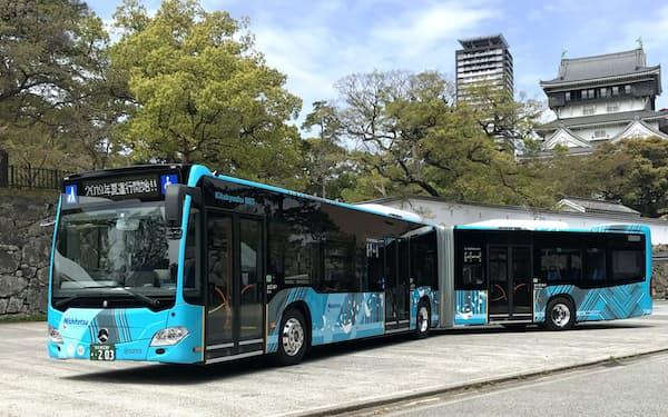 西日本鉄道が運行する連節バス(北九州市)