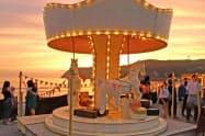 屋上遊園地には木製のメリーゴーラウンドが設置される予定(イメージ)